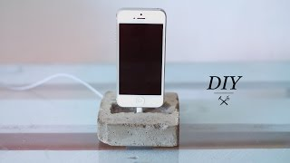 DIY CONCRETE PHONE DOCK