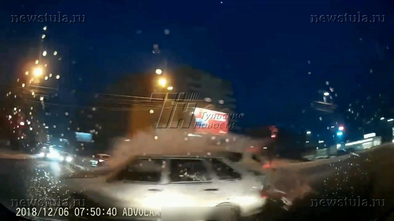 Жесткая авария на ул. Рязанской в Туле попала на видеорегистратор