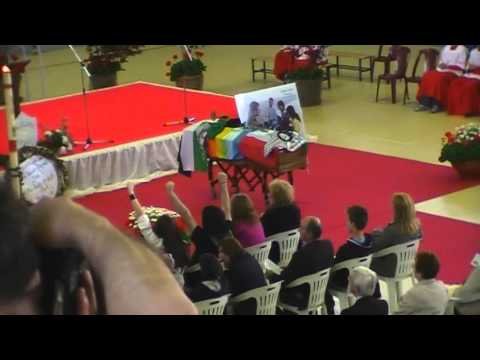 BELLA CIAO al funerale del partigiano VITTORIO UTOPIA ARRIGONI - Bulciago 24 aprile 2011.wmv
