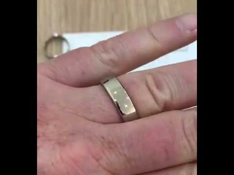 The Difference Between Light, Medium & Heavy Weight Wedding Rings