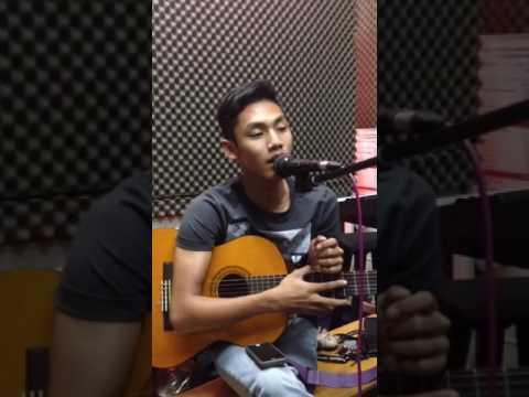 Tajul - Sedalam Dalam Rindu ( Short Cover )
