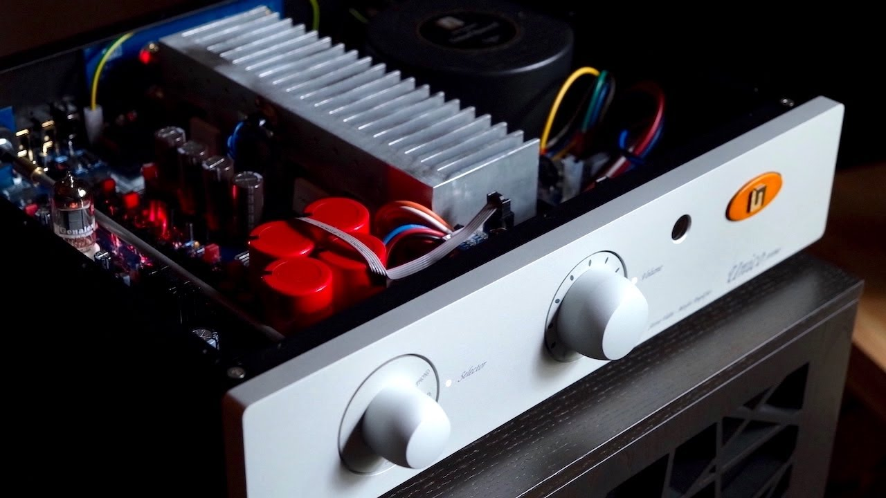 Value \u0026 Performance!  Unison Research UNICO PRIMO - A Tube / Solid State Integrated!
