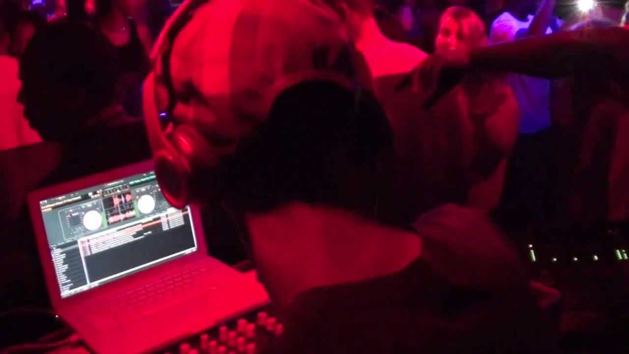 DJ Rocky Styles - Live Hip Hop Mix @ Rodo's Nightclub in Fells Point - Baltimore Maryland