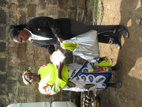 Golfcourse community relief food distribution