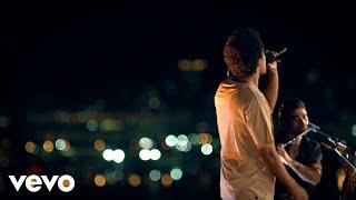Download Natiruts - Sorri, Sou Rei (Ao Vivo) Mp3 and Videos