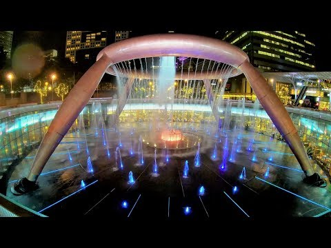 [4K] Video walk to Singapore Flyer and Fountain of Wealth
