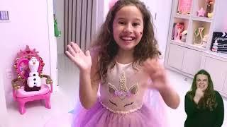 👋🏻 LIBRAS 👋 Valentina e a sua irmã bebê ★ شفا دخلت البيبي السجن !