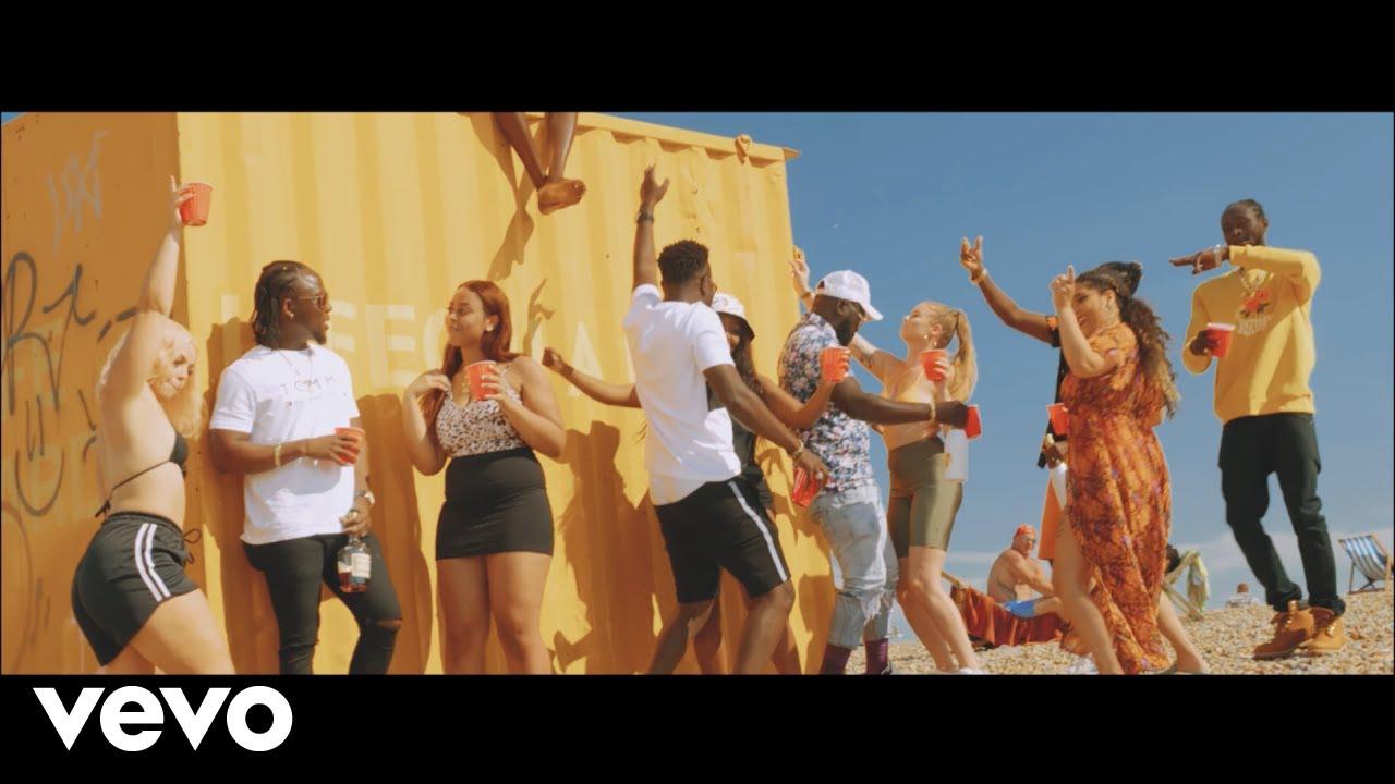 Reggie 'N' Bollie - Summertime & Bikinis (Official Video)