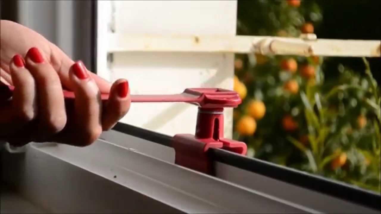 Montaggio ferma finestra youtube for Ferma finestre