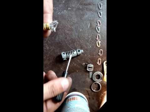 Как починить замок двери багажника