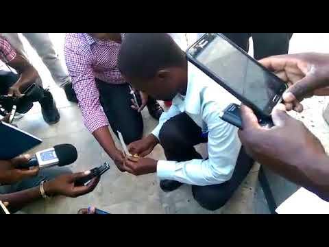 Un haitien detruit le visa octroye par les Etats Unis