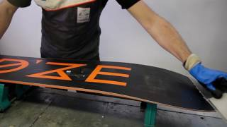 How to make a performance iron waxing of a snowboard ?