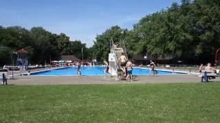 Германия . Уроки плавания в школах.
