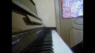 Пацан классно играет на пианино.AVI