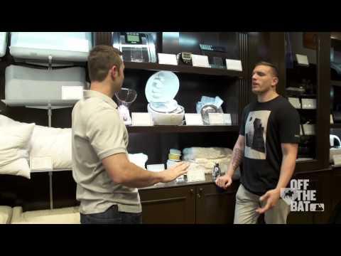 David Robertson Goes Shopping for Derek Jeter