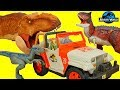 Jurassic World Dinosaurs Velociraptor Blue attack Owen Claire in Dino Jeep