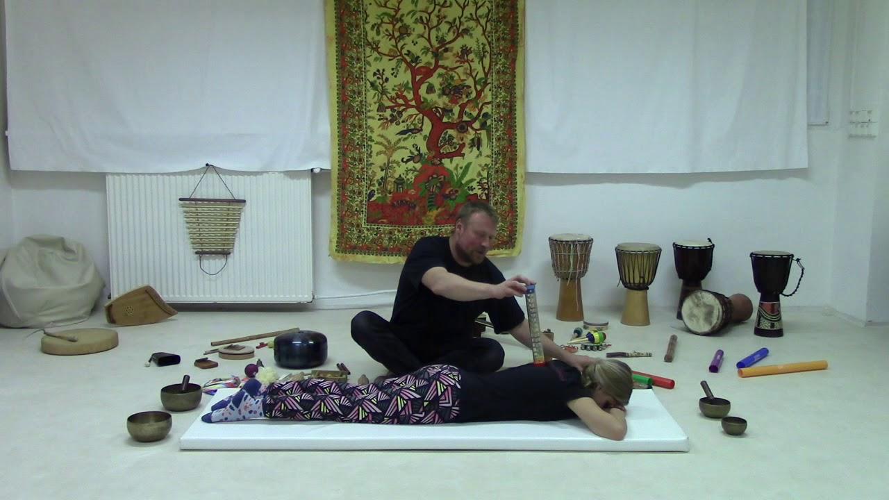 Video Zdeněk Vilímek - Vibrační masáž těla aneb zahraj na mámu a tátu