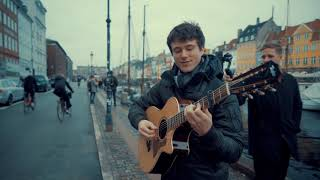 Alec Benjamin – Let Me Down Slowly (live in Nyhavn)