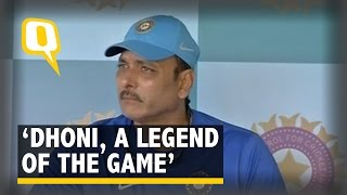 Ravi Shastri Defends MS Dhoni... Like a Boss!