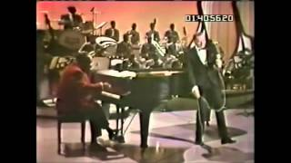 Frank Sinatra - Fly Me To The Moon 1965 (Live)
