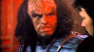 Riker Dines With Klingons