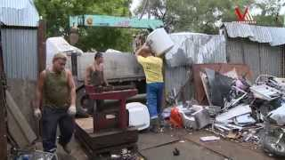 Незаконные пункты приема металлолома сносят в разных районах города(Владивосток ведет борьбу с незаконными пунктами приема металлолома., 2014-09-02T23:49:00.000Z)