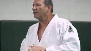 Video HILARIOUS!!! Ed O'Neill's VERY First Class at the Gracie Jiu-Jitsu Academy download MP3, 3GP, MP4, WEBM, AVI, FLV Desember 2017