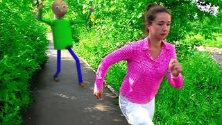 Baldi in real life Roma and mom run away from Baldi Roma and Helpic