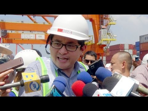 Bam Aquino inspects 'improved' Manila port
