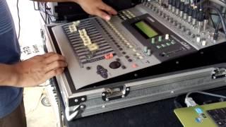 s-l1000 Yamaha O1v