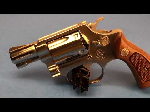 Smith & Wesson Model 60 –