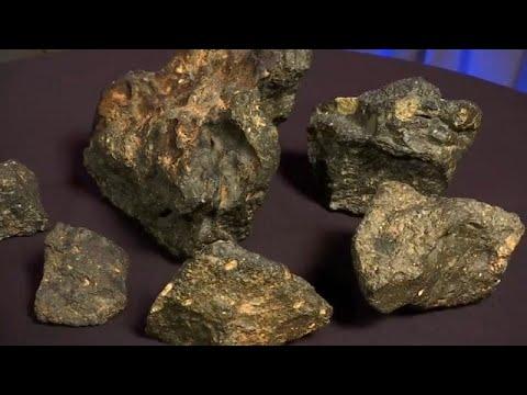 شاهد: حجر -أحجية القمر- للبيع بنصف مليون دولار  - نشر قبل 2 ساعة