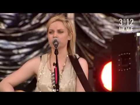 Amy MacDonald - Dancing in the Dark (Bruce Springsteen) Live@Pinkpop 2009