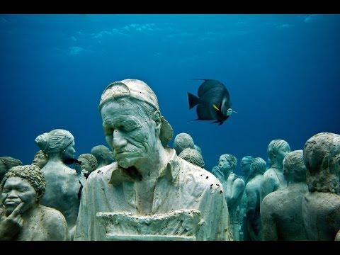 Underwater sculpture park by Jason deCayres.