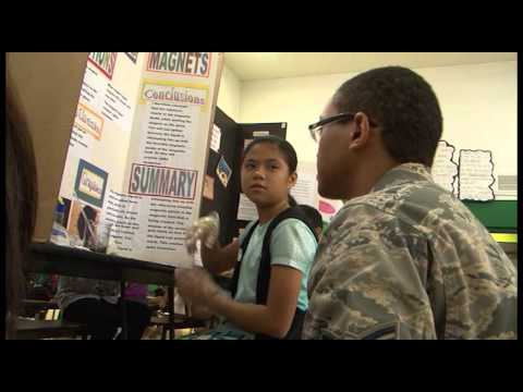 Sailors, Airmen Volunteer at Upi Elementary School