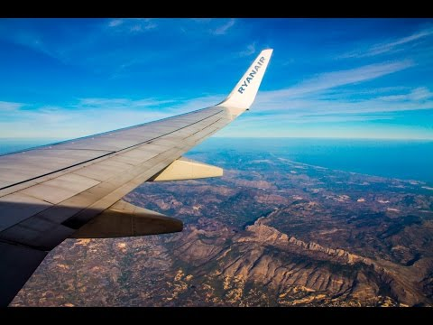 Beautiful RYANAIR Boeing 737 Scenic Landing at Alicante Airport