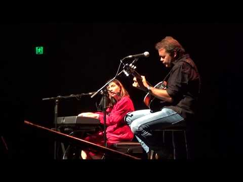 Jem and Troy Cassar-Daley: Thats the way Love Goes