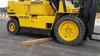 두산 LD 3톤 디젤지게차