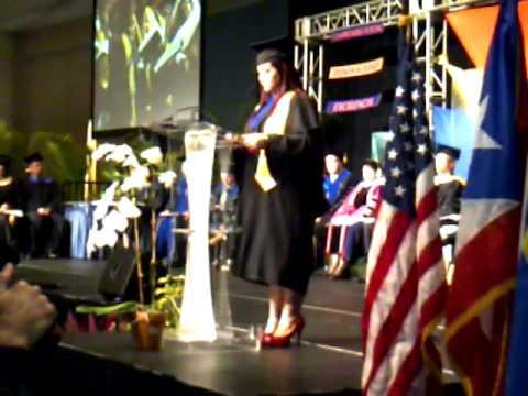 Graduación de National University College 2011 Juramento de Estudiantes; Por Maria Santiago Davila
