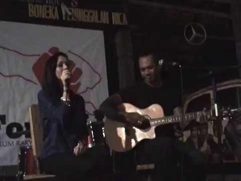 """Briana Simorangkir And Jerinx """"SID"""" - Diamonds Are Forever"""