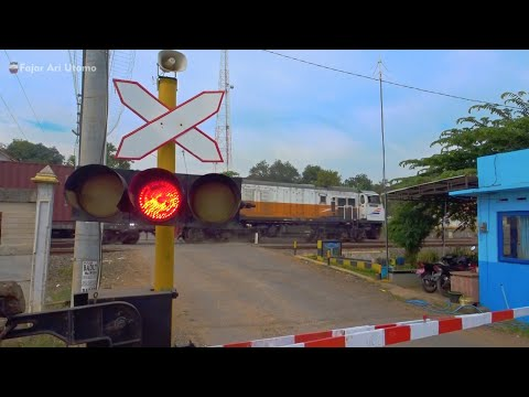 Alarm Unik Ceramah Khas Batang! Perlintasan Kereta Api Ujungnegoro