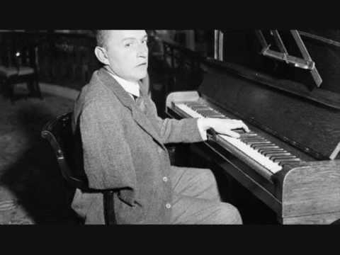 Wittgenstein plays Ravel's Piano concerto for the Left Hand (1)