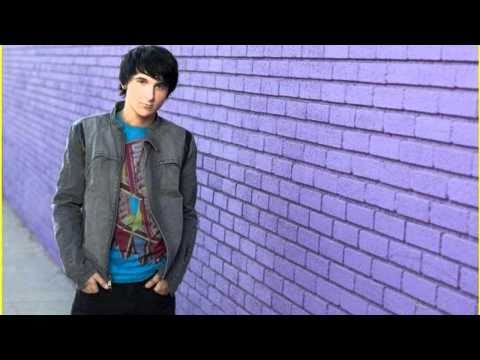 Theme Song of ''Pair of Kings''   MITCHEL MUSSO ft. DOC SHAW - ''Top Of The World''