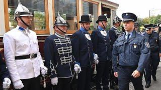 140 éves a budapesti rendőrség, bemutatták a régi egyenruháikat