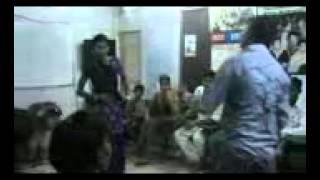 patli kamar pe teri mera dil phisal gaya 28.9.2012