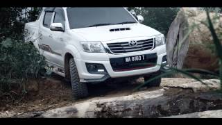 TOYOTA HILUX – URBAN HERO - FOREST GUARDIAN