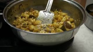 Batata Poha Recipe Video or aloo pawa (Potato and beaten rice) - Breakfast or Lunch Box recipe