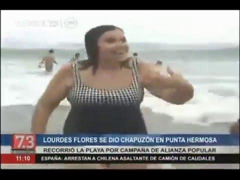 Lourdes Flores se dio un 'chapuzón' en la playa de Punta Hermosa