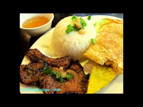 25 Vietnamese Foods You Should Know & Be Trying
