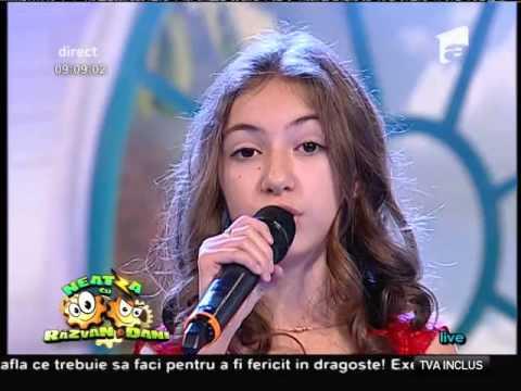 "Elena Hasna - ""Undo"" (LIVE)"